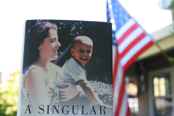 A Singular Woman: The Untold Story of Barack Obama&#8217;s Mother