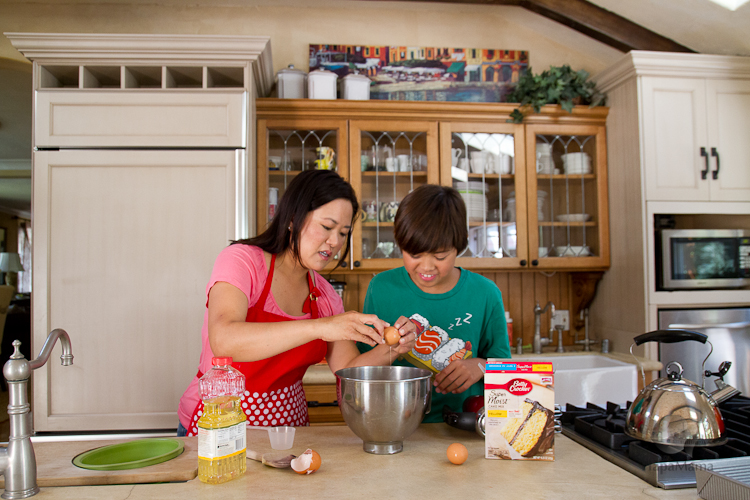 Bake with your son, HapaMama